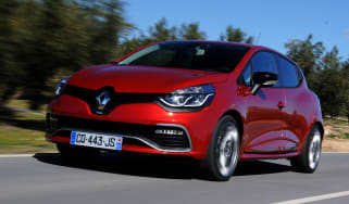Clio Renaultsport 200 EDC Lux front tracking