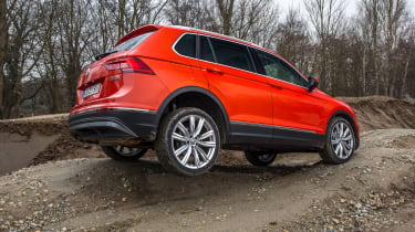 Volkswagen Tiguan 2016 - off-road 3