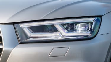 Audi Q5 - front light detail