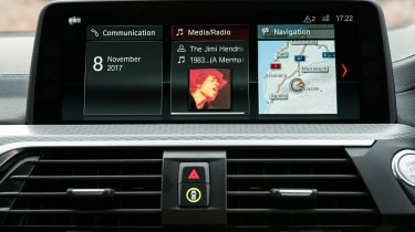 BMW X3 - infotainment