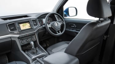 Volkswagen Amarok pick-up 2016 - interior 2