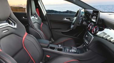 Mercedes-AMG GLA 45 - front seats