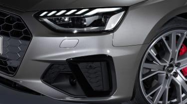 Audi A4 Avant - front light