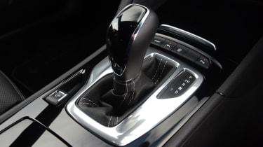 Vauxhall Insignia Grand Sport - gearstick