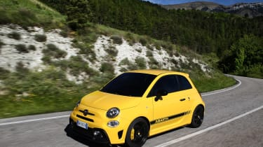 Abarth 595 Competizione - front panning