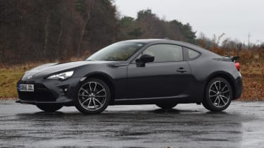 Used Toyota GT86 - front