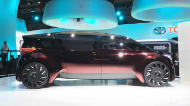 Toyota Fine-Comfort Ride concept - Tokyo side