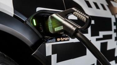 Audi e-tron - charger