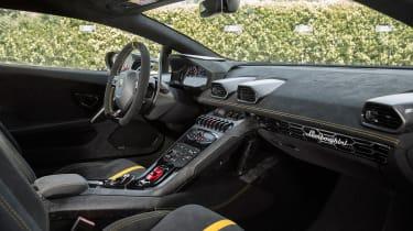 Lamborghini Huracan Performante cabin