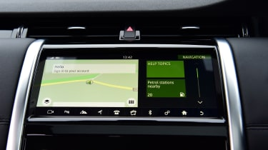 Land Rover Discovery Sport - dash