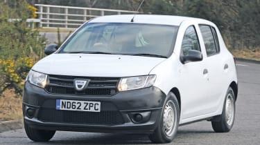 Dacia Sandero Access front tracking