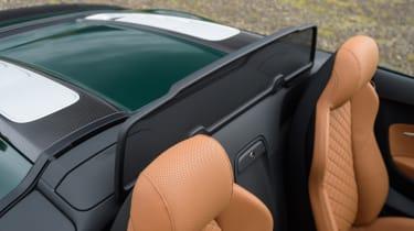 Audi R8 Spyder V10 plus - wind deflector