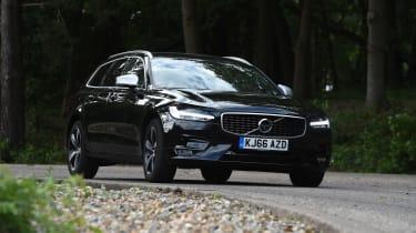 Volvo V90 - front action