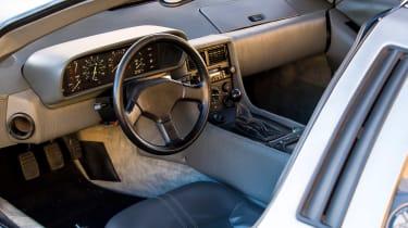 DMC DeLorean - cabin