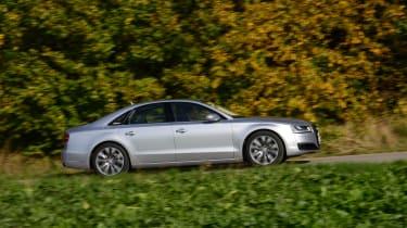 Audi A8 panning