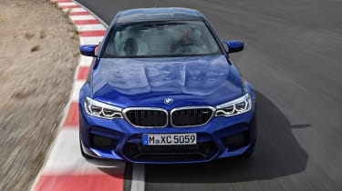 BMW M5 - full front action