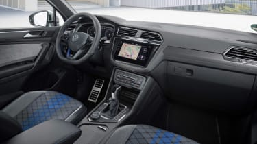 Volkswagen Tiguan R - dash