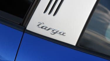 Porsche 911 Targa 2016 UK - roof badge