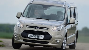 Ford Tourneo Connect 2016 - front cornering