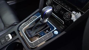 Volkswagen Passat GTE - gear lever