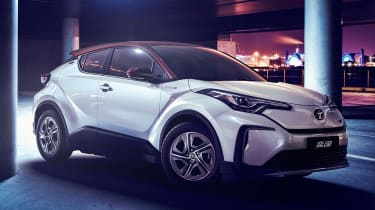 Toyota C-HR EV - front white