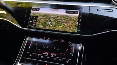 Audi A8 55 TFSI - sat-nav