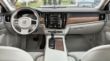 Volvo S90 saloon 2016 - interior