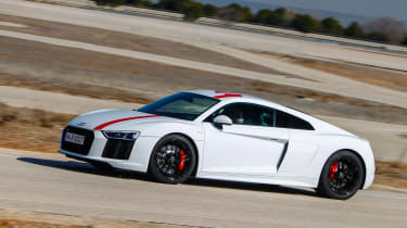 Audi R8 RWS - side