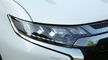 Mitsubishi Outlander PHEV - front light