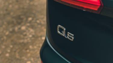 Audi Q5 55 TFSI e - Q5 badge