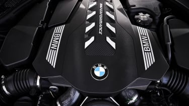 BMW 8 Series - engine
