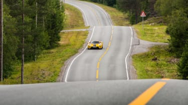 Ford GT Norway road trip - undulating road