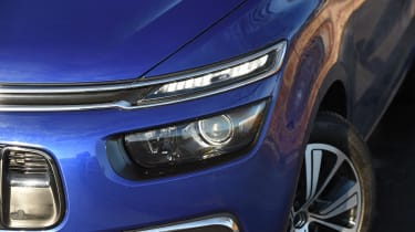 Citroen Grand C4 Picasso - front light detail