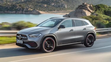 Mercedes GLA - front action