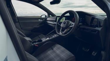 Volkswagen Golf GTD - cabin
