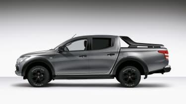 Fiat Fullback Cross side