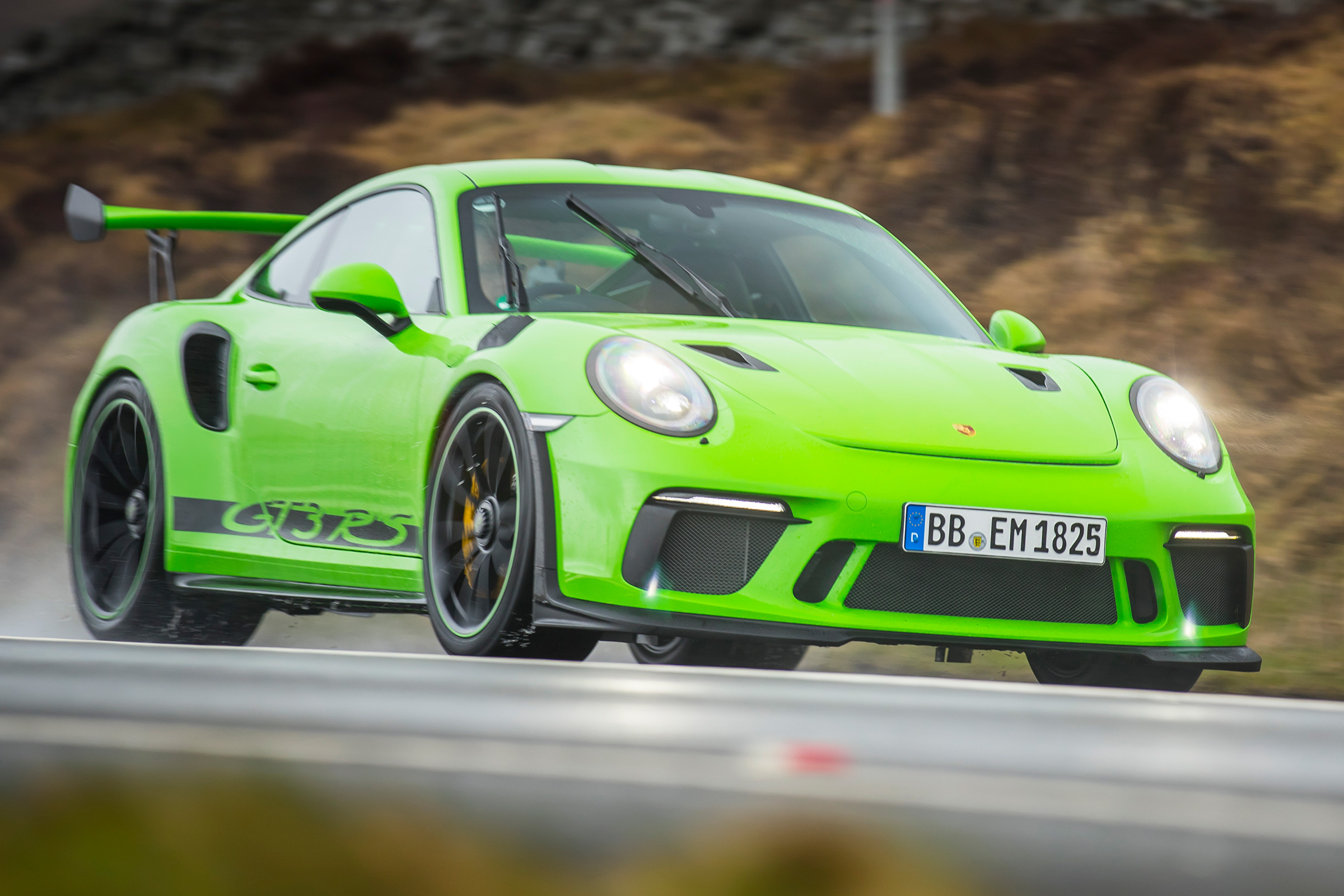 New 2018 Porsche 911 Gt3 Rs Review Auto Express