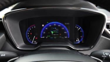 Toyota Corolla Touring Sports - dials
