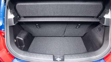 Suzuki-Swift-SL-Z-boot-space
