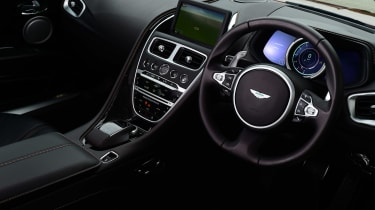 Aston Martin DB11 - dash