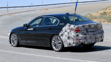 BMW 5 Series facelift - spyshot 13