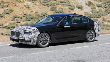 BMW 5 Series facelift - spyshot 11