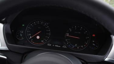 BMW 440i - dials
