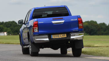 Toyota Hilux 2016 - rear cornering