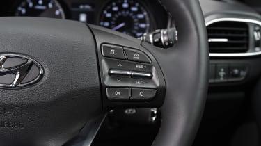 Hyundai i30 - steering wheel detail