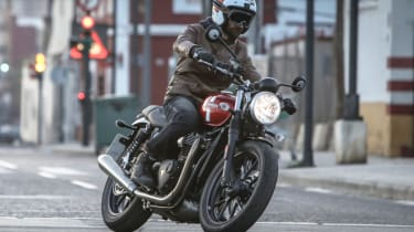 Triumph Street Twin review - city driving