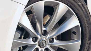 Vauxhall Astra GTC wheel