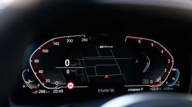 BMW 330e - dials detail