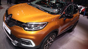 Facelifted Renault Captur Geneva - front orange