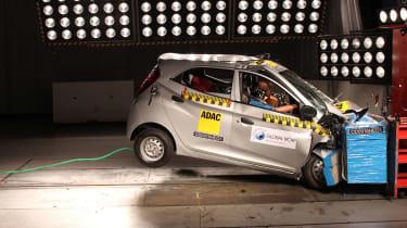 Hyundai Eon crash test